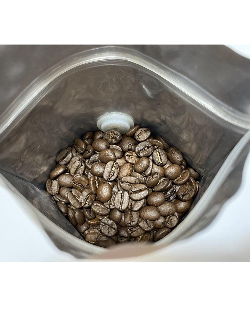 Свежеобжаренный кофе в зернах Бразилия Сантос